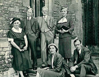 Three generations of Wardens. Standing, from left to right: Lady Wylie and Sir Francis Wylie, Sir Carleton Allen and Lady Allen, and seated, Lady and Sir Edgar (Bill) Williams.