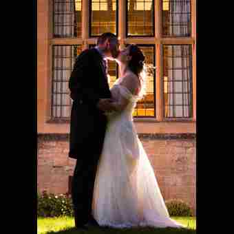 rsz 1wedding couple in front of rhodes house window courtesy of giddy aunt photos